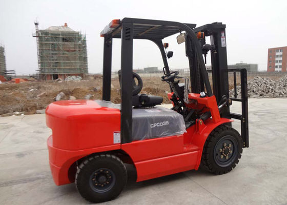 China Balance Weight Type Diesel Manual Forklift Truck With Triple Mast And Sideshift supplier