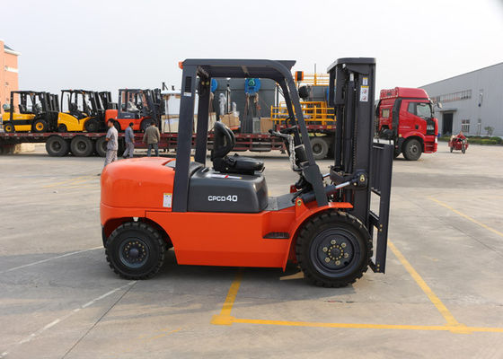 China 3M Lifting Height 4 Ton Industrial Forklift Truck for Loading Transportation supplier