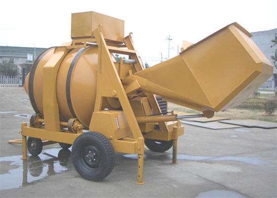 China 2 Towing Wheels Portable Self Loading Diesel Engine Cement Concrete Mixture Machine 16.2KW supplier
