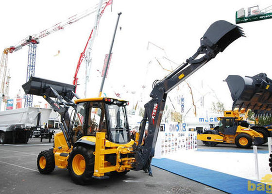 China 0.8m3 Loading Capacity Tractor Backhoe Loader For Engineering Excavating and Loading supplier