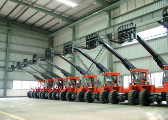 China Diesel Engine Power 3.5 ton Telescopic Boom Forklift  With 3620MM Max Forward Reach supplier