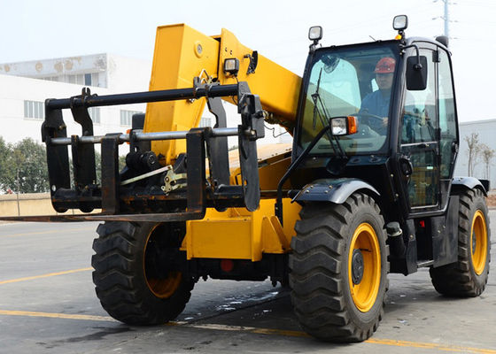 China Engineering Construction Telescopic Boom Forklift with Fully Sealed Wet Multi Disc Brakes supplier