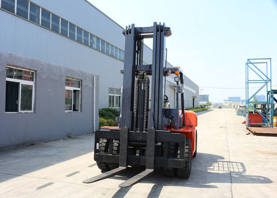 China High Powered 3 - Stage Mast 6 Tons Diesel Engine Forklift Trucks For Warehouse supplier