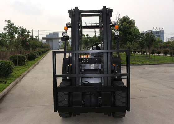 China Full Free Mast CE Approved Industrial Forklift Truck 4.5 Ton With 59KW Engine supplier