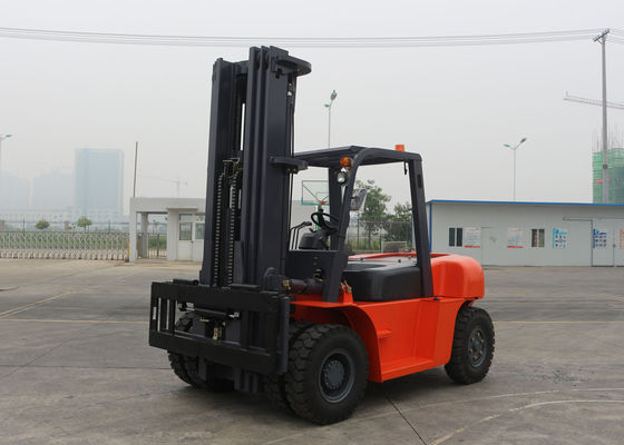 China 3 Stages Mast Hydraulic Diesel Manual Forklift Truck 3M - 6M Lifting Height supplier