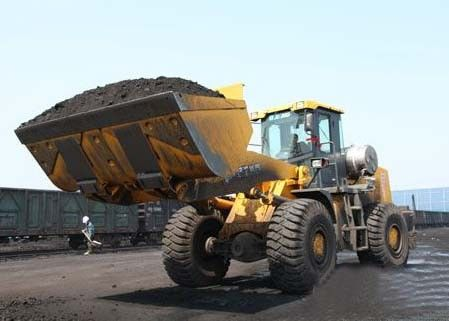China Low Oil Consumption 6 Ton Big Front End Loader 20000KG Operating Weight supplier