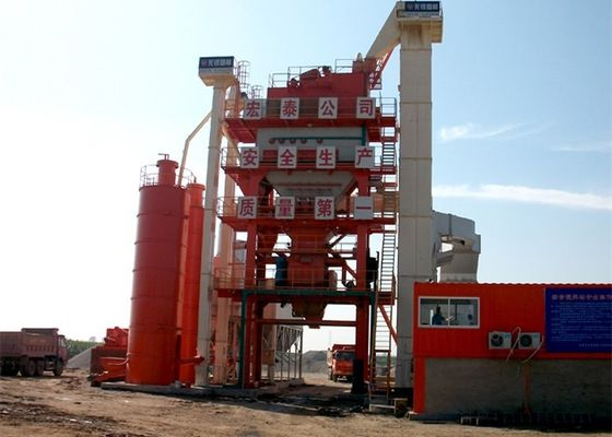 China 280~320 T/H Asphalt Mixing Plant With 200 Tons Finished Storage Bin , 922KW Power supplier
