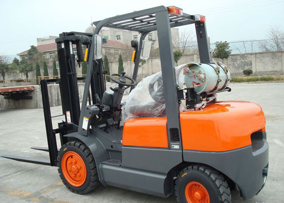 China NISSAN K25 Engine 3.5 Ton LPG forklift equipment With Solid Tires And Full Free Mast supplier