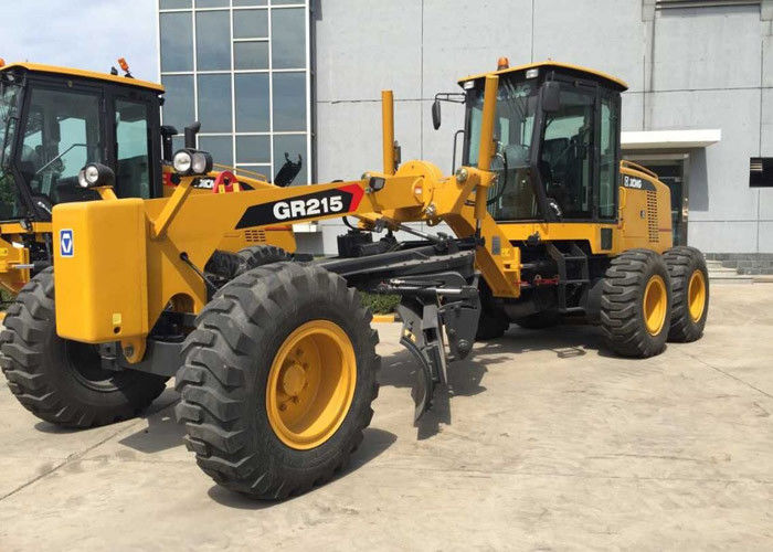 Welded Structure XCMG 215HP Motor Grader Rental , Slope