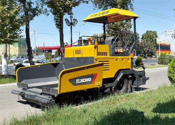China 4.5m * 150mm Asphalt Paver Machine with Water Cooling Diesel Engine Powered 70KW distributor