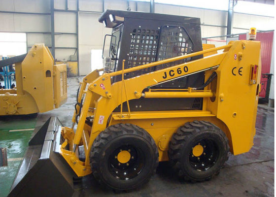 China 4 Stroke Diesel engine  4WD Skid Steer Loader Rental 0.4 - 0.5 m3 Bucket Capacity factory
