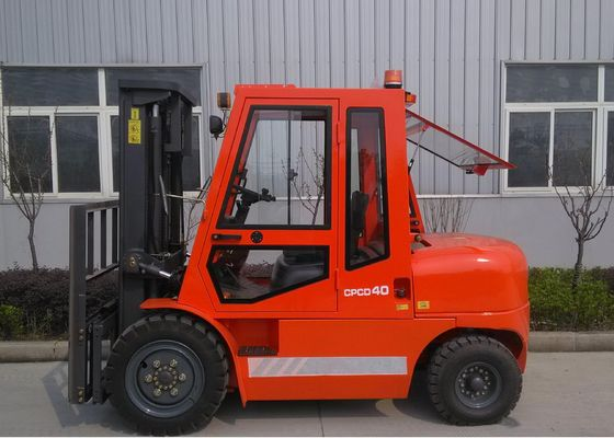 China 4 Ton Hydraulic Diesel Heavy Duty Forklift Equipment With Fan / Heater distributor