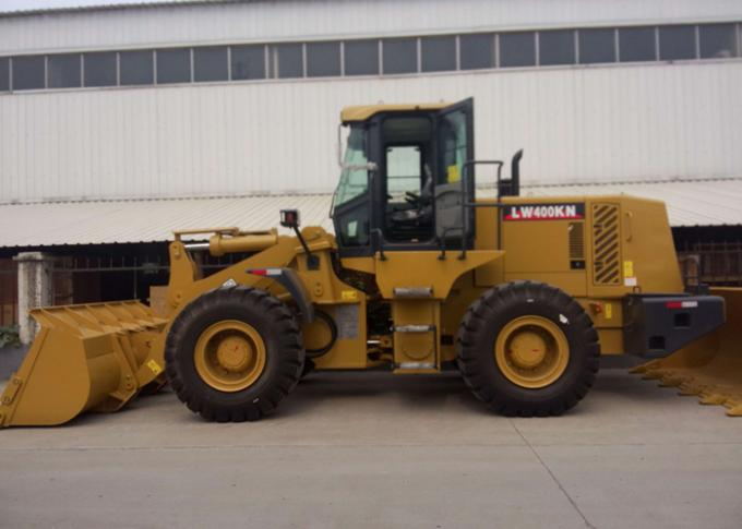 Diesel XCMG  Front End Wheel Loader , 4 Ton Loading Weight Compact Tractor Loader LW400KN
