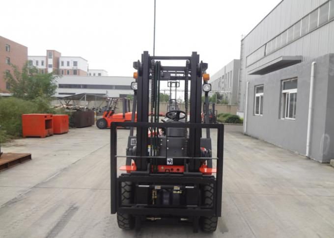 High Precise Hydraulic Material Handling Forklift , Safe 3 Step Switch Llock Electric Fork Trucks
