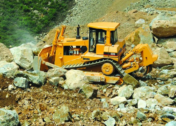 Soil Stone Construction Big Crawler Bulldozer with Pilot Hydraulic Controlling Blade Operation