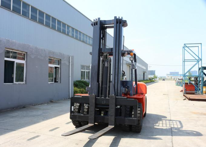 Heavy Duty Driving Axle Diesel Powered 6 Ton Warehouse Forklift Trucks 1220 * 150 * 55 mm Fork Size