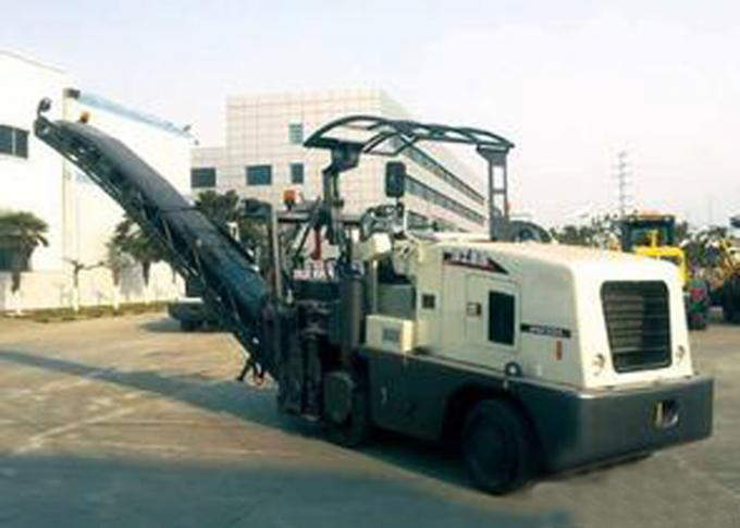 Portable 0 - 7km/h Travel Speed 162KW Asphalt / Concrete Milling Machine Equipment XCMG