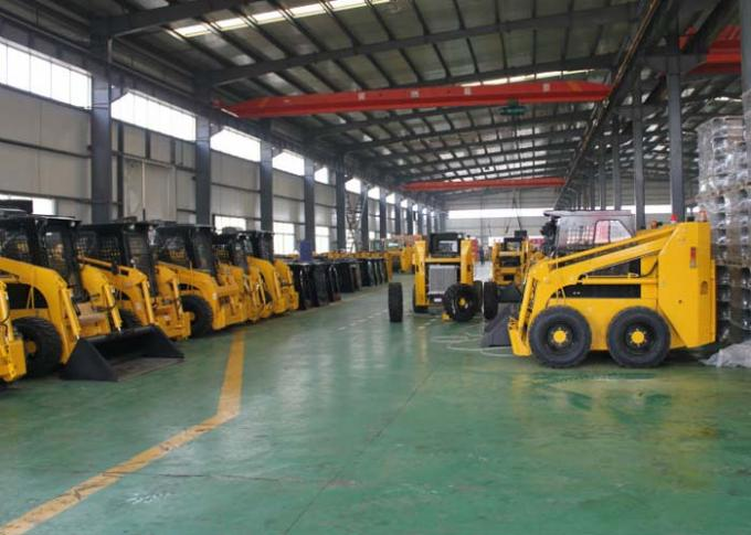 Mechanical Type Track Skid Loader , Auxiliary Hydraulic Couplers Skid Loader Rentals